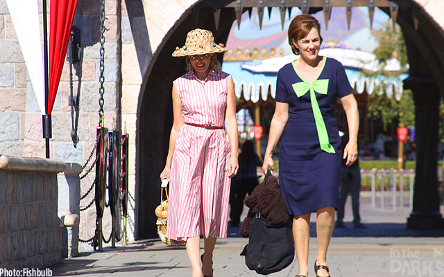 extras from the film, Saving Mr. Banks at Disneyland